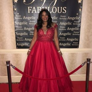 Dresses - Red prom dress /ballgown size 16